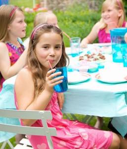 Festa-per-bambini-in-giardino_su_vertical_dyn
