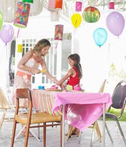 Le-decorazioni-ideali-per-un-garden-party_su_vertical_dyn