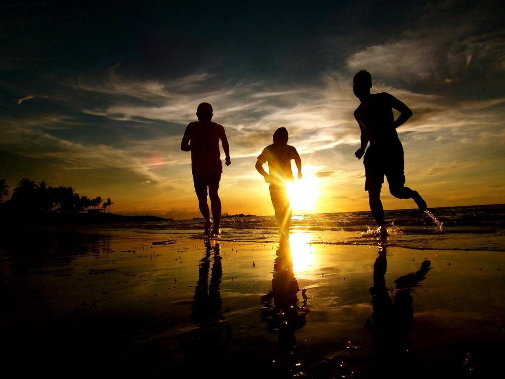 ragazzi che corrono